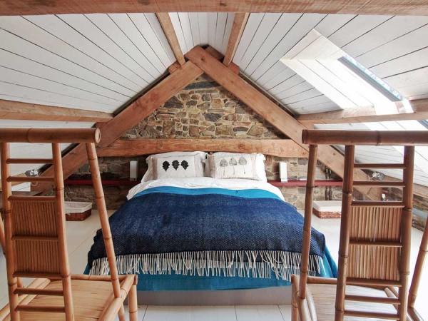 Cuddfan bedroom