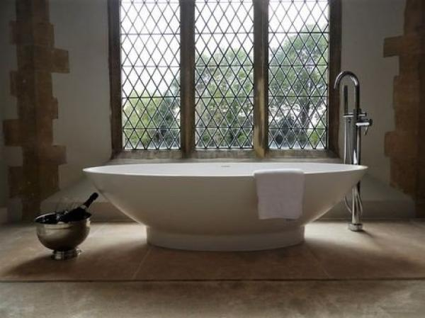 Relax in this freestanding bath