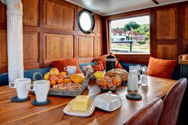 eat on board in comfort