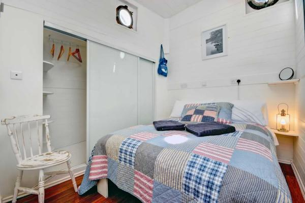 Comfy double bedroom on Onderneming