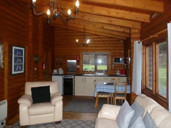 Benearb living area