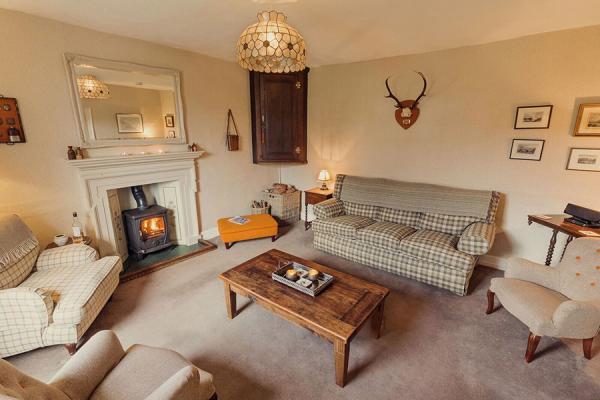 Farmhouse comfy lounge