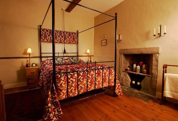 Four poster luxury bedroom