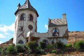 quirky castle for 4
