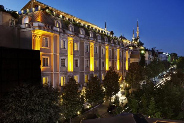 Eresin crown hotel for Hotels in istanbul laleli