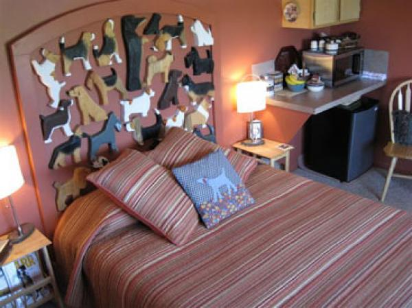 bedroom at Dog Bark Park