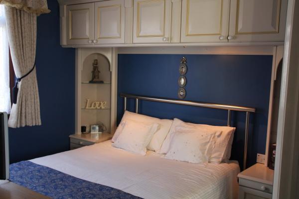 Room 3  - Blue Room