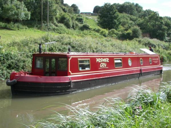 The Cru Houseboats
