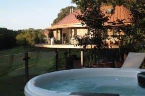 hot tubs on treehouse balcony
