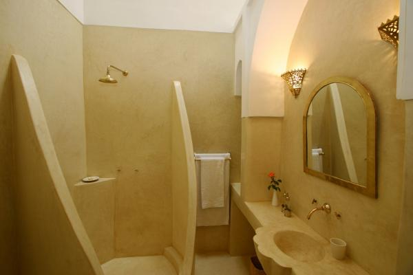 Jasmine bathroom