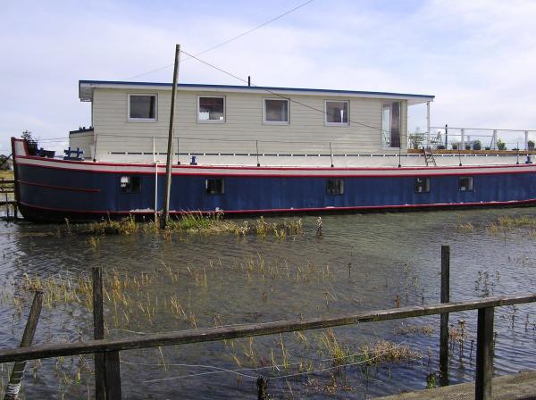 Boat at high tide