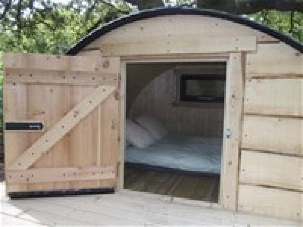 The Pig-double sleeping pod