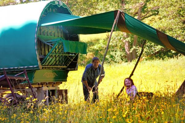 a relaxed glamping holiday