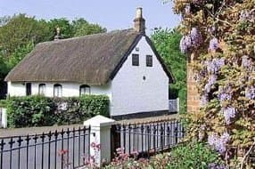 thatched cottage for 4