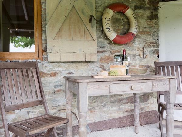 relax outside the Smithy