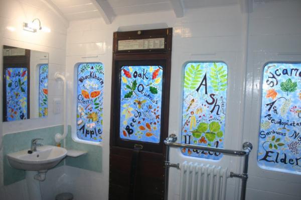 hand painted bathroom windows in Millpool