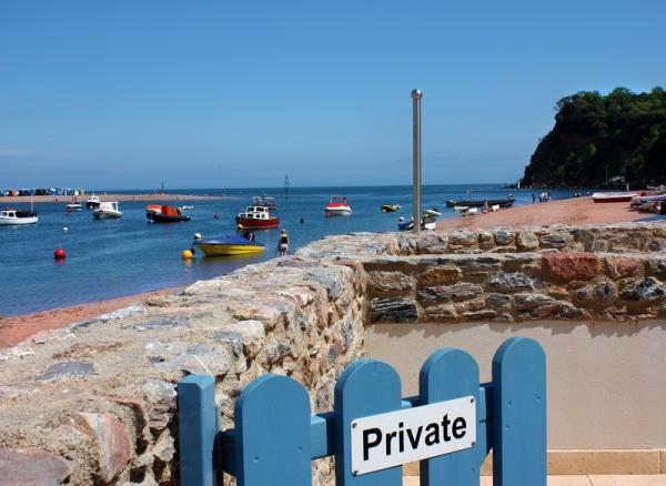 top location beachside accom