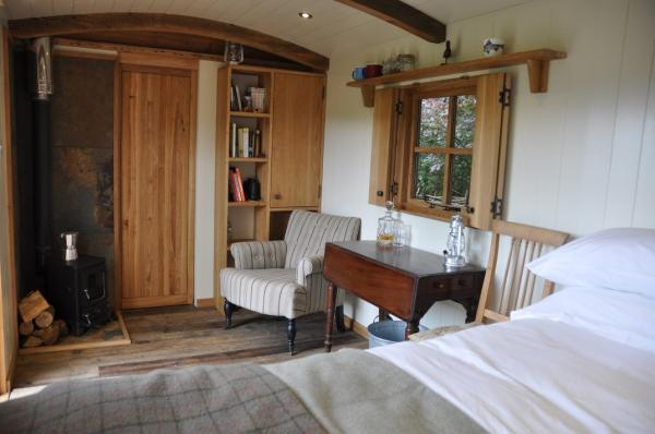 spacious accommodation with woodburner