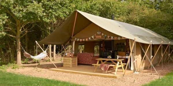 luxury lodge tent for up to 6