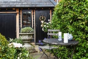 charming cottage stay for 2