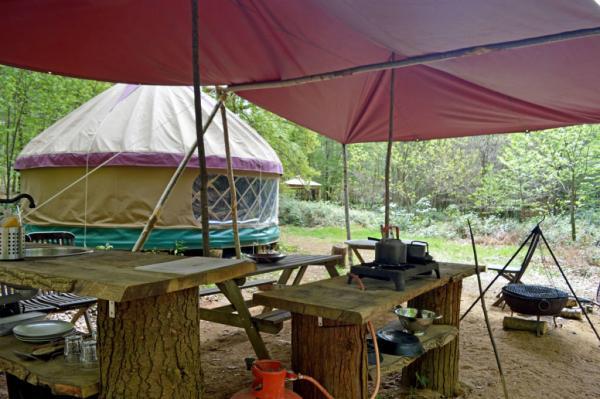 Chestnuts Yurt safari kitchen