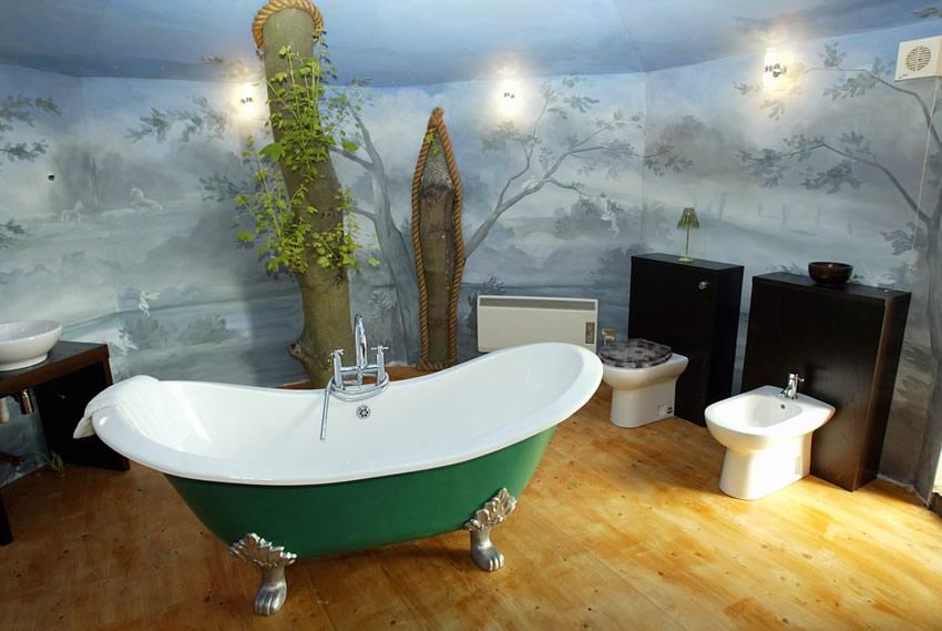 ferniebathroom ferniestairs - Tree House Bathroom